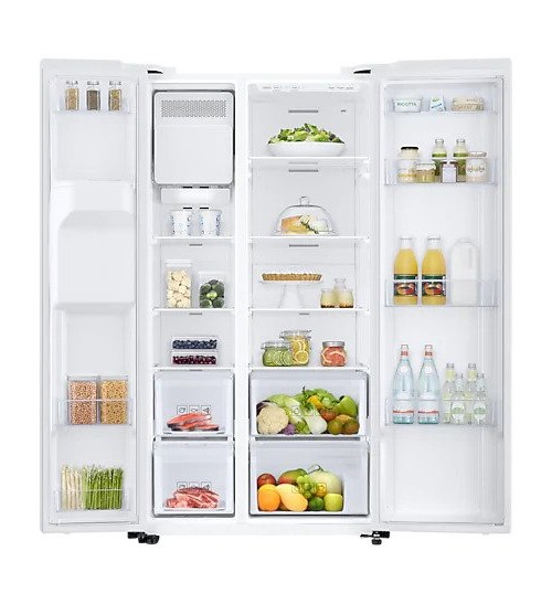 Americká chladnička Samsung RS67N8211WW EF – pohľad dovnútra naplnenej chladničky
