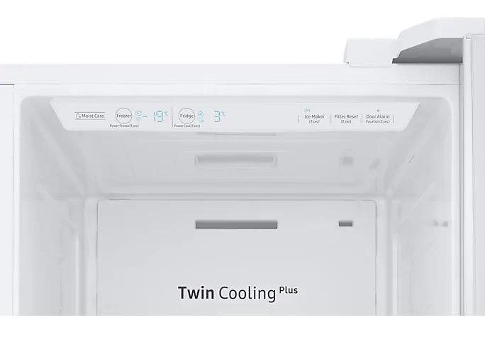 Americká chladnička Samsung RS67N8211WW EF – pohľad dovnútra na ovládací panel a systém Twin Cooling