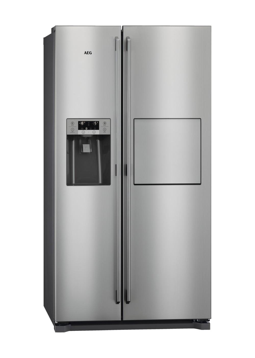 Americká chladnička AEG RMB66111NX – pohľad spredu