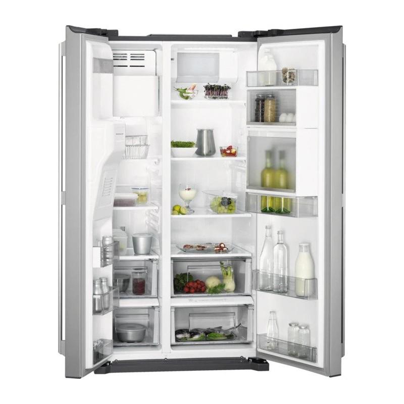 Americká chladnička AEG RMB66111NX – pohľad dovnútra