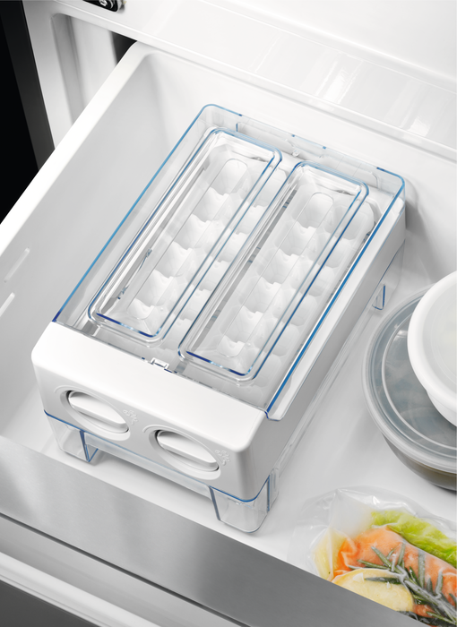 Americká chladnička Electrolux EN 6086 JOX – forma na výrobu ľadu