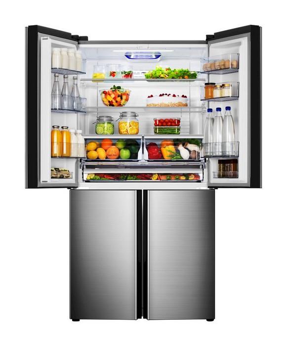 Americká chladnička Hisense RQ689N4AC2 – chladiaci priestor naplnený potravinami