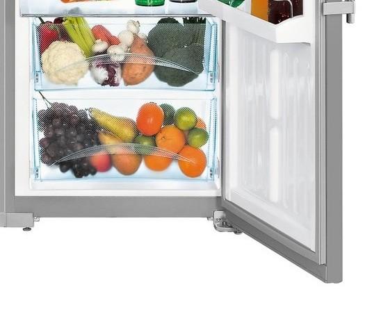 Americká chladnička Liebherr SBSesf 7212 – plastové zásuvky na zeleninu a ovocie
